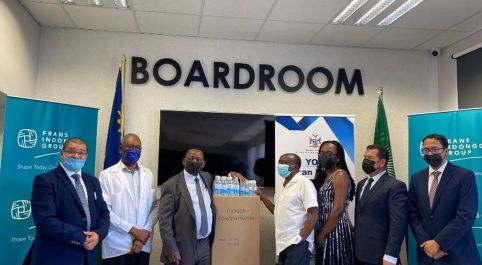 Frans Indongo Trust donates ten oxygen concentrators and sanitisers to MoHSS